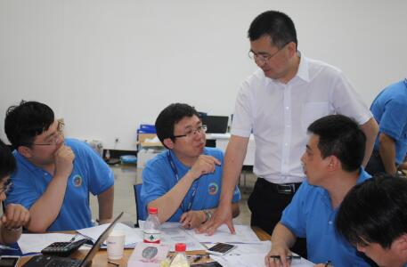 6月18-19日,刘月松老师受邀吉利集团中高层领导力培养---远航项目(四期)讲授《战略谋划与执行沙盘模拟演练》;